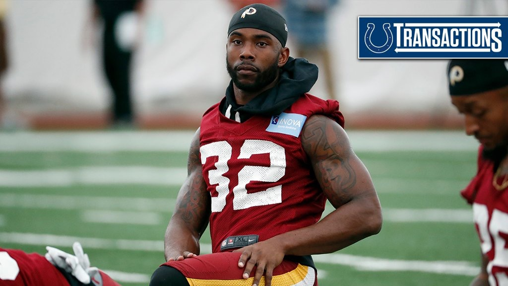 Earl Wolff Signed by Colts! - Pack Insider